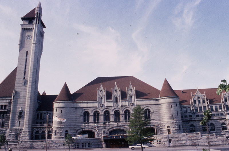 St. Louis Union Station consisted of three separate structures:  the Head House, the Midway, and the Train Shed.<br /> (Photo by William A. Shaffer)
