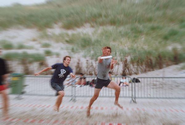 Ultimate frisbee tournament on beach near Alkmaar
