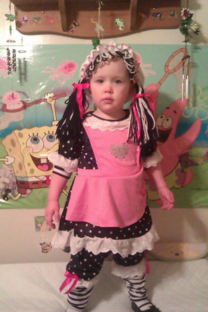 My daughter Arianna dressed as a kitty cat.<br /> <br /> Photographer's Name: Miranda Tomlin<br /> Photographer's City and State: Anderson, Ind.