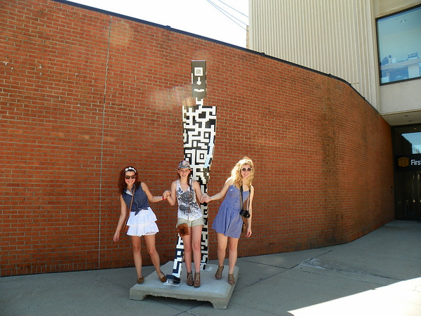 Ally Christine and Katherine with App<br /> <br /> Photographer's Name: Evelyn Thomas<br /> Photographer's City and State: Anderson, IN