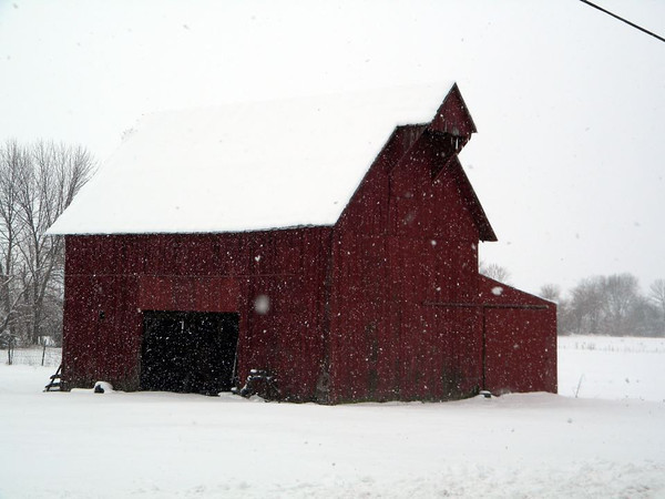 A barn in the country.<br /> <br /> Photographer's Name: Rita Drews<br /> Photographer's City and State: Anderson, Ind.