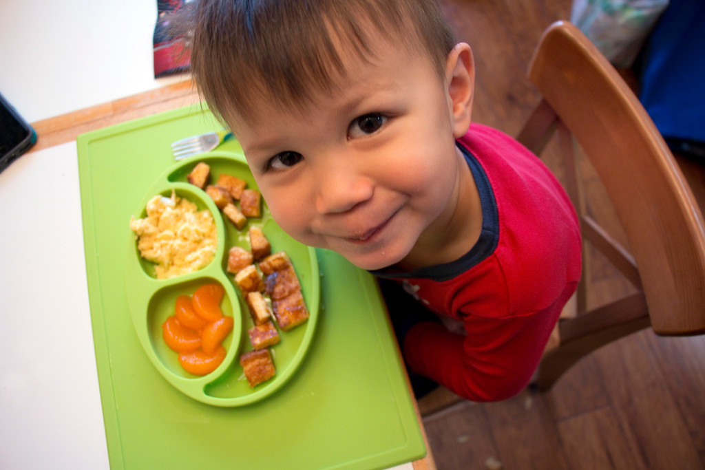 Making Mealtime ezpz Book & Happy Mat Review