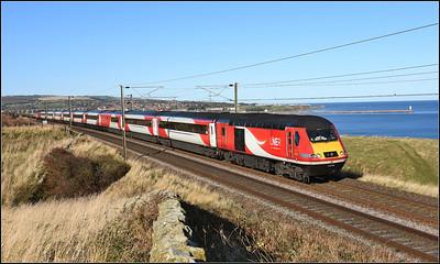 2018 11 02.43299 on the 12.00 Edinburgh-Kings Cross LNER service at Spittal.