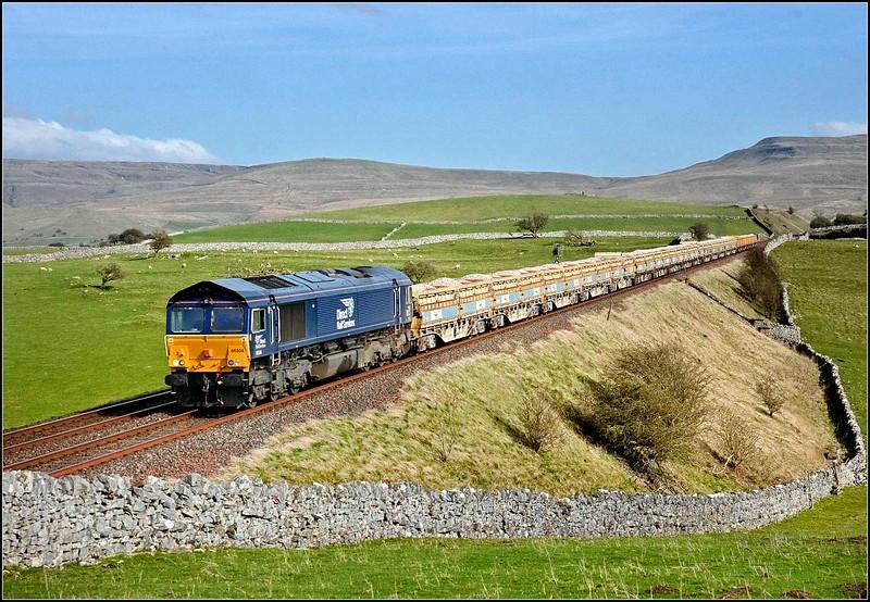 2018 04 18.66304 on the 09.38 Mountsorrel-Carlisle working at Waitby.