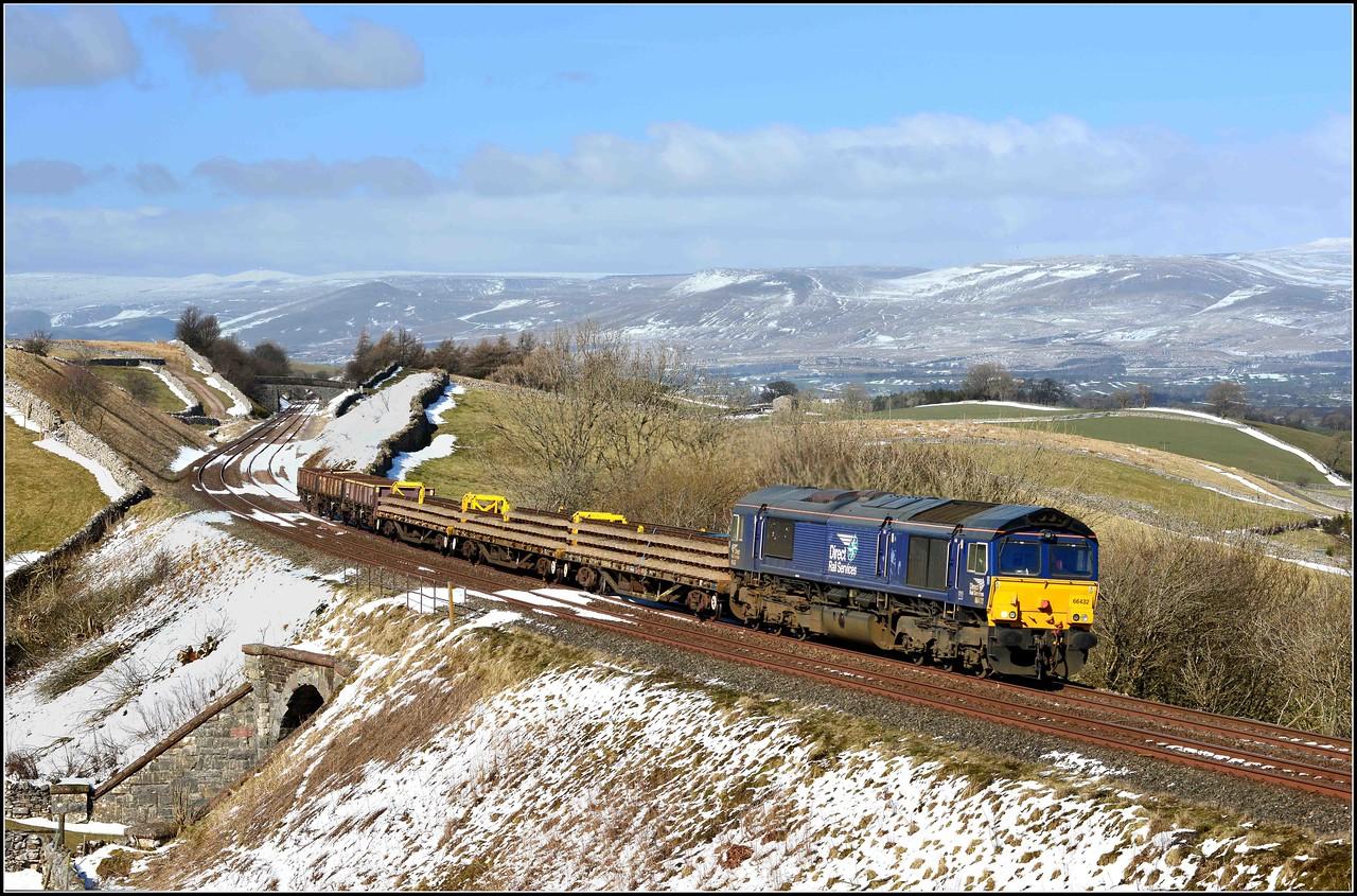 2018 03 19.66432 on 6K05 Carlisle-Crewe B/Hall engineers train at Birkett.