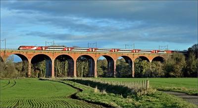 2018 12 03.91 on the 09.30 King Cross -Edinburgh LNER service on the Croxdale Viaduct.