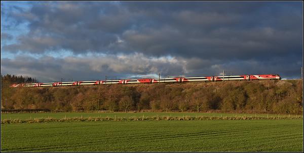 2018 12 03 Dvt on the 11.30 Kings Cross-Edinburgh LNER service approaches Durham.