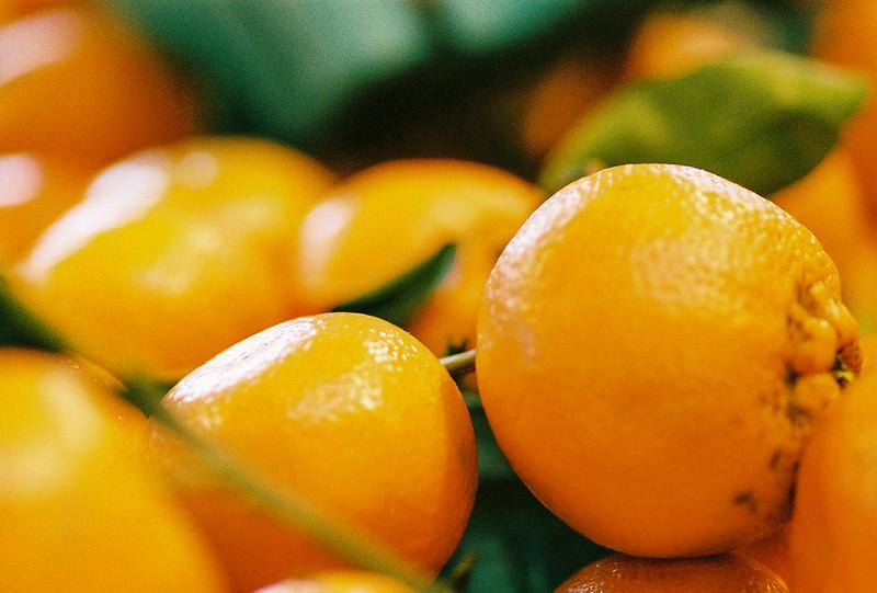 Whole oranges