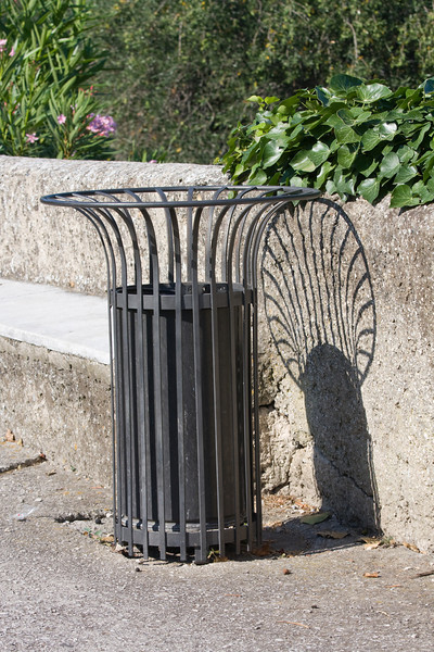 Maybe a garbage can isnt too interesting, but I thought the lines and shadows were