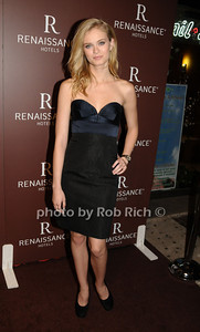 Sara Paxton photo by Rob Rich © 2009 robwayne1@aol.com 516-676-3939