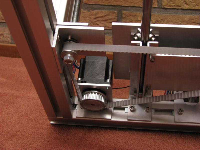 View from below, showing my 1:2 drive ratio to speed up the Z axis a bit.