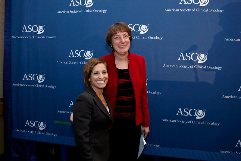 Chicago, IL - ASCO 2008: Nancy Davidson, MD, President of ASCO, with Mary Lou Retton at the Opening press briefing Friday May 30, 2008 during the American Society of Clinical OncologyÕs (ASCO) 44th Annual Meeting. The meeting attracts more than 25,000 oncologists, cancer researchers and cancer care professionals from more than 100 countries. Date: Friday May 30, 2008 Photo by © AACR/Todd Buchanan 2008 ASCO Contact: Tiffany Reynolds/Communications Dept.; 703-519-1423. Technical Questions: todd@toddbuchanan.com; Phone: 612-226-5154.