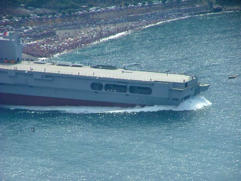Launch of the Cavour aircraft carrier.<br /> <br /> Varo della portaerei Cavour.