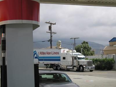 Gas Station, Cabazon, 4 Apr 2005