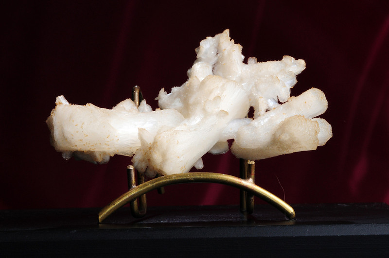 S-41 Stilbite    Origin: near Bombay, India