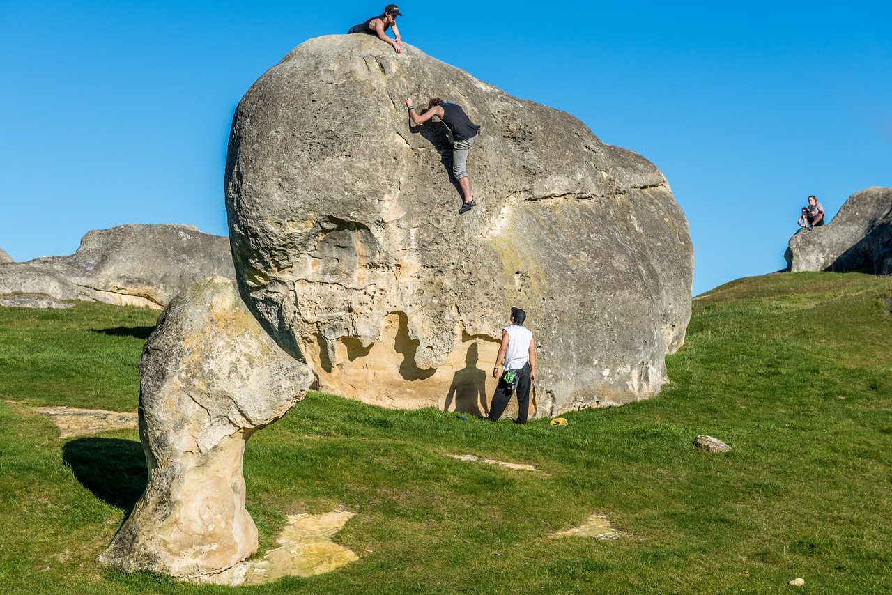 Bouldering at Elephant Rocks
