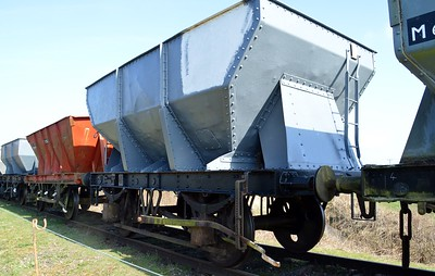 B436275 24t Iron Ore Hopper    06/04/15