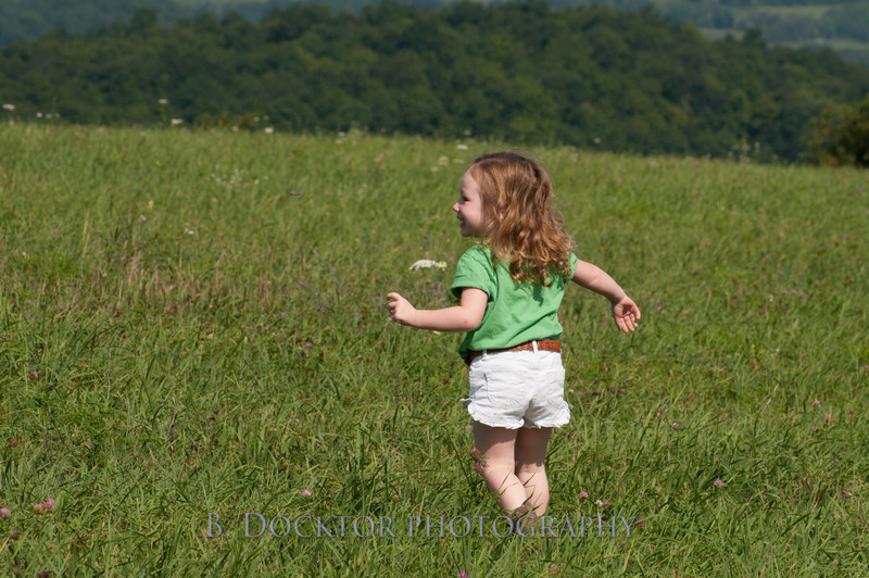 1208_Ronnybrook Farm Family_170