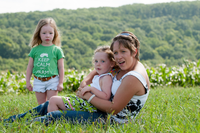 1208_Ronnybrook Farm Family_215