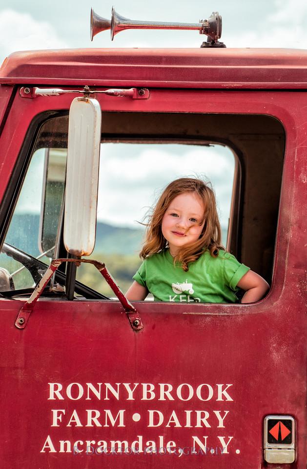1208_Ronnybrook Farm Family_411-2-2-2