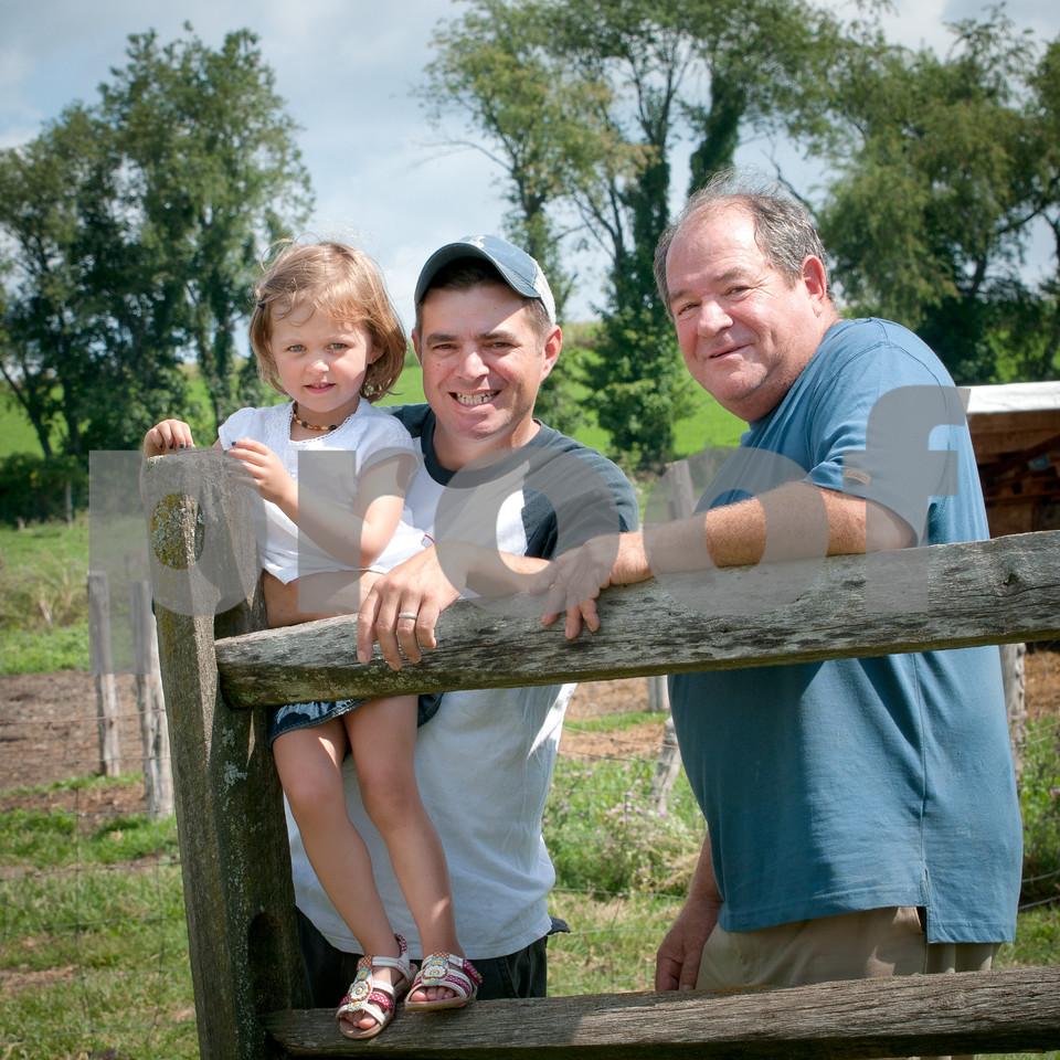 1208_Ronnybrook Farm Family_290