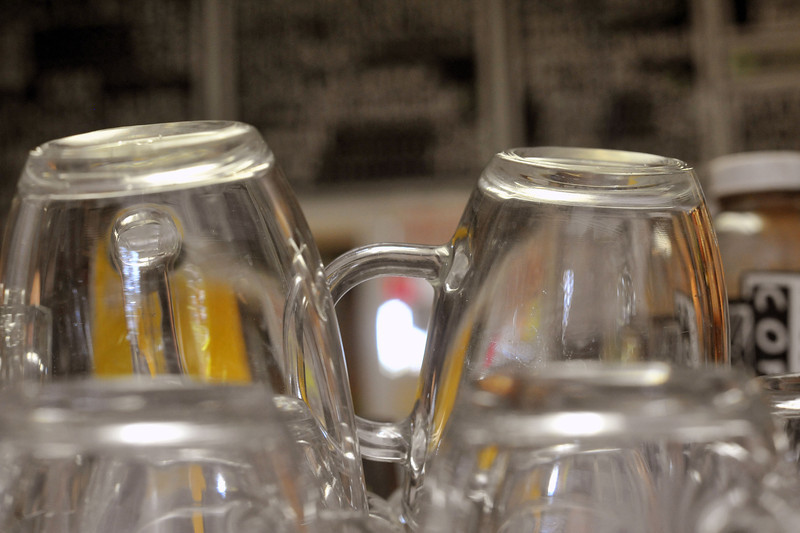 Glass mugs waiting to be filled with some single origin coffee at Roos Roast.