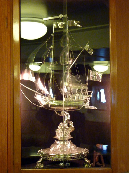 Silver Yacht- Royal Gift-Britannia