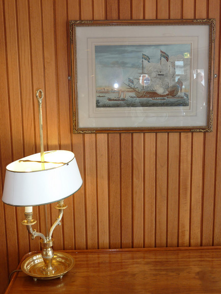 Lamp  & picture Royal Yacht