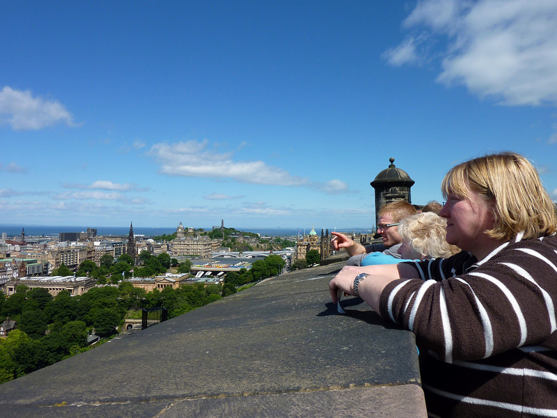 Niall, Mary & Anne looking out over ERdinburgh from the castle