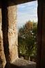Doorkijkje in Mont Saint Michel, het uitzicht door dat gat in de muur had natuurlijk wel interessanter gekunt maargoed. Dit was op dag 2, toen bezochten we dus MSM en daarna Saint Malo.