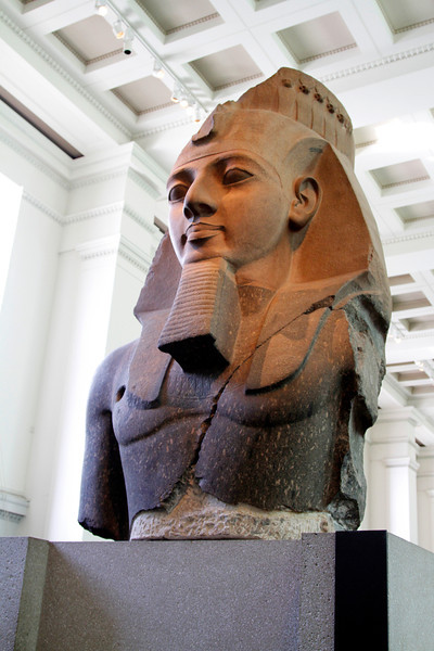 A statue of Ramesses