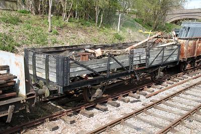 M492187 (024222) LMS 22t 5 Plank Open Tube   14/04/12