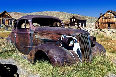 Old-Car-in-Bodie