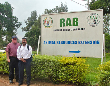 GHS visited the Rwanda Agricultural Board's laboratory located in Kigali, Rwanda. GHS will collaborate with RAB on a milk microbiology project to determine the causes of mastitis in dairy cows.