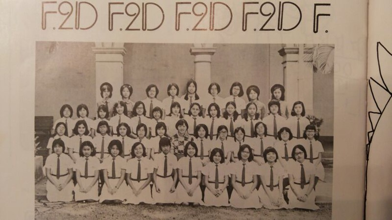 F.2D at 19XX (need help)<br /> Front row (left to right): Silvia Man,  ??,  Annie  Cheung, ??, Christina Mak, ??,  ??,  ??, ??,Alice Chan<br /> Second Row: ??, ??, ??, ??, ??, Branda Wong??, Miss Mimi Lo, ??, ??, ??, ??, ??,  Margaret Ho<br /> Third Row: ??, ??, ??, Amy Choy, ??, Josephine Chu, Carole Hodges, ??, Lydia??, ??, Jovana Yu, ??, ??<br /> Fourth Row: Amy Fok, ??, Evia Yeung, ??, ??, ??, ??, Anita??