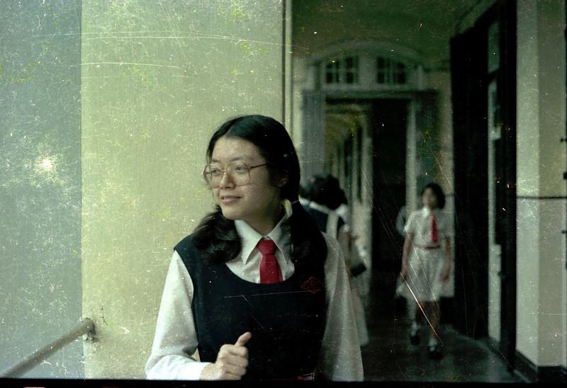 Fanny outside hallway