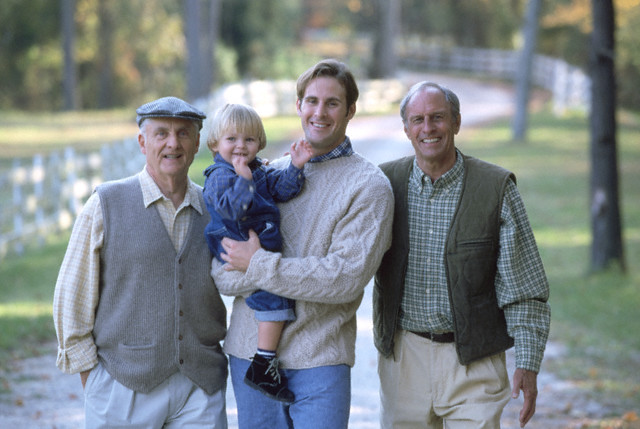 SO8.1 / Possible options for SO8<br /> <br /> Choice 17 of 17<br /> <br /> Four generations --- Image by © Ariel Skelley/CORBIS