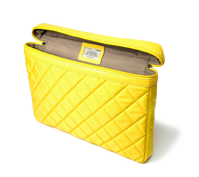 Slim_15inch_yellow_openside
