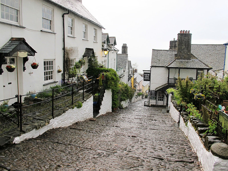 Clovelly on a cold wet evening, and a warm welcome at Donkey Shoe Cottage, the B&B for the night, just down from the New Inn.