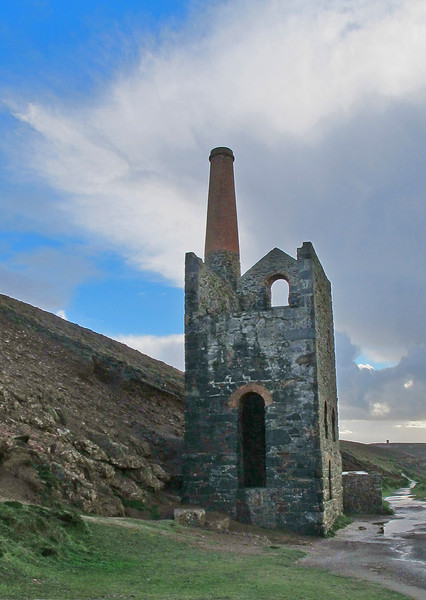 Towanroath Shaft Pumping Engine House at Wheal Coates, Chapel Porth near St Agnes, now owned by the National Trust.