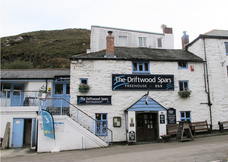 This lovely old pub at Trevaunance Cove, near St Agnes, provided a good strong morning coffee and a packed lunch for later.