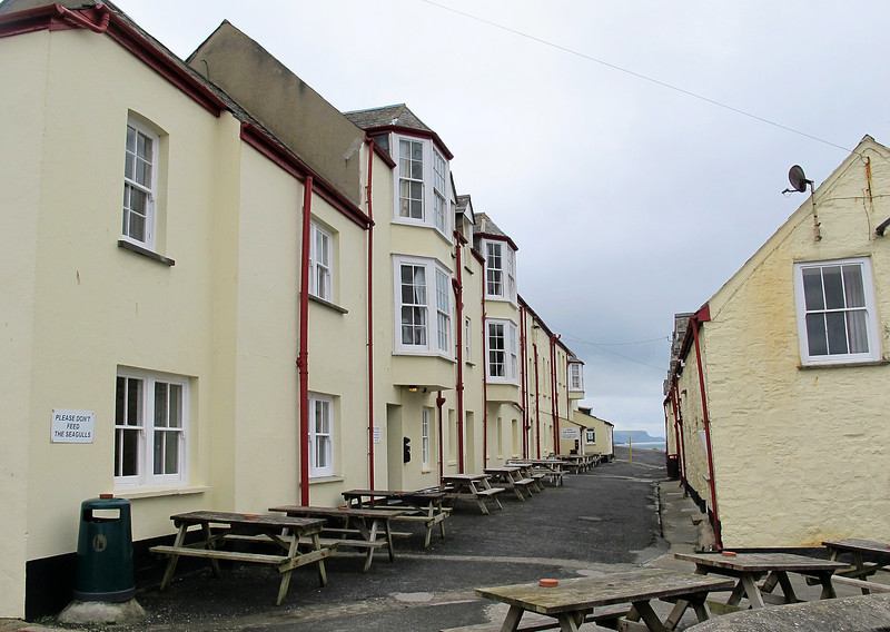 The Crackington Haven Inn, good accommodation, food and beer - what more would you want?