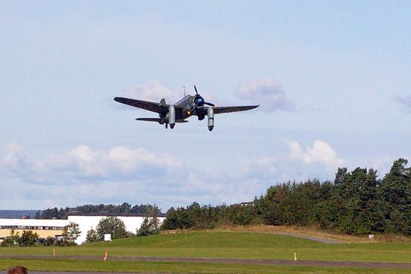 B17 taking off
