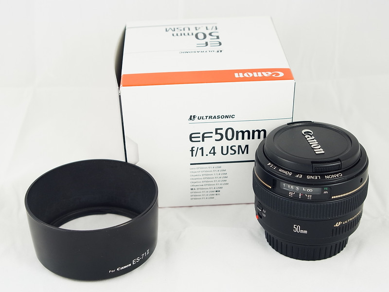 Canon 50mm F/1.4 package