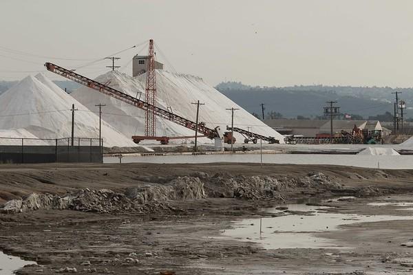 Salt Works Harvest Pond 28 with Pond 29 damage 1-18-2017