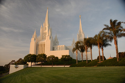 San Diego Temple at Dusk