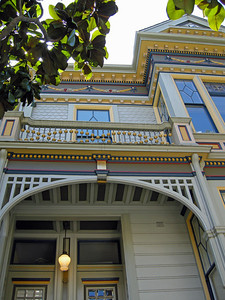 One of the many amazing Victorian homes we saw on our tour in San Francisco.