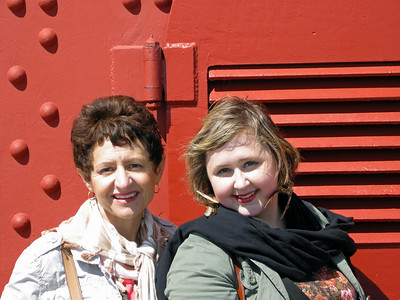 Beth and Christina on the Golden Gate bridge.