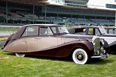 R-type_B206WH_53HooperSaloon-03
