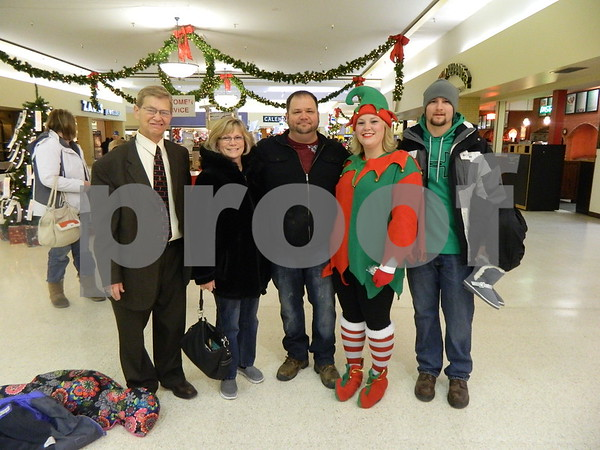 left to right: Larry Sessen, Alicia Jessen, Kelly Jessen, Amber Lewis, and Andy Lewis.